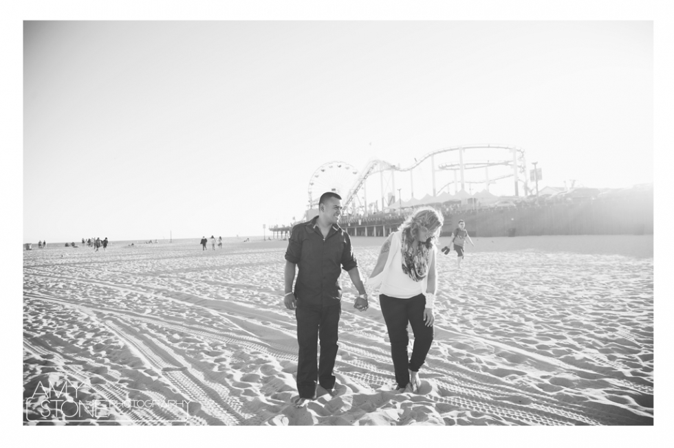 amy-stone-photography-santa-monica-pier-beach-engagement-photos