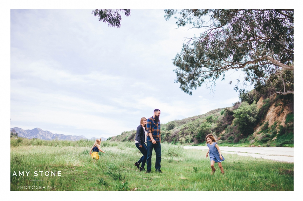 la-tuna-canyon-family-photos-amy-stone-photography-lifestyle-photographer-open-field-spokane-photo