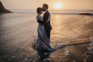 hug-point-oregon-wedding-photo