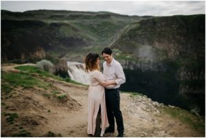 palouse-falls-state-park-spokane-bohemian-elopement-amy-stone-photography-engagement-photos_0886