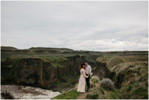 palouse-falls-state-park-spokane-bohemian-elopement-amy-stone-photography-engagement-photos_0909