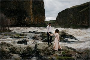 palouse-falls-state-park-spokane-bohemian-elopement-amy-stone-photography-engagement-photos_0916