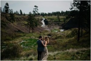 spokane-washington-amy-stone-photography-outdoor-boho-engagement-photos_0800