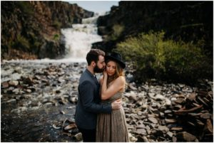 spokane-washington-amy-stone-photography-outdoor-boho-engagement-photos_0808