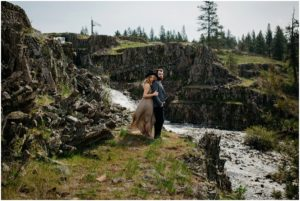 spokane-washington-amy-stone-photography-outdoor-boho-engagement-photos_0812