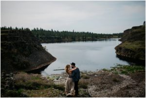 spokane-washington-amy-stone-photography-outdoor-boho-engagement-photos_0816