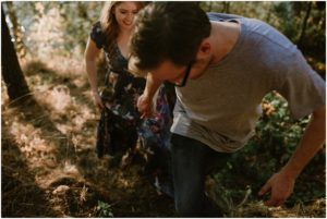 coeur-d-alene-amy-stone-photography-tubbs-hill-outdoor-engagement-photos_0984