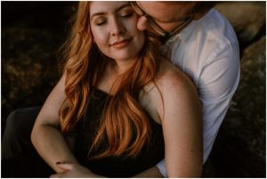 coeur-d-alene-amy-stone-photography-tubbs-hill-outdoor-engagement-photos_0992