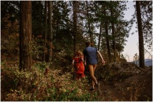 coeur-d-alene-amy-stone-photography-tubbs-hill-outdoor-engagement-photos_0999